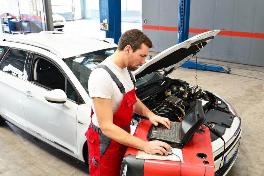 Quelle sont les activités quotidiennes du technicien automobile?