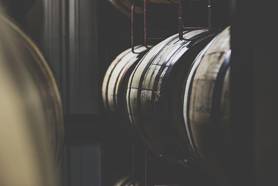 Les métiers du cognac : du distillateur au maître de chai