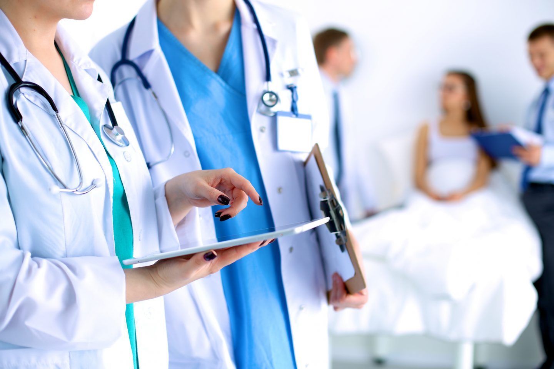 Comment les métiers du médical sont-ils couverts en cas de maladie ?